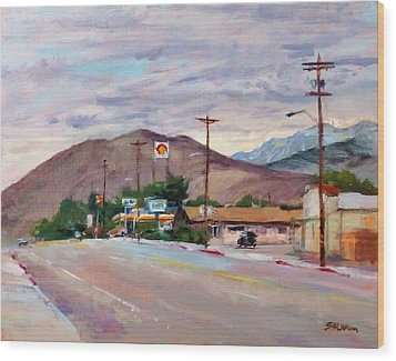 South On Route 395, Big Pine, California Wood Print