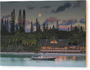 South Pacific Moonrise Wood Print