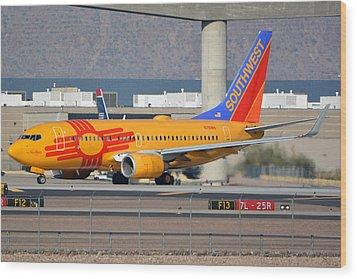Southwest Boeing 737-7h4 N781wn New Mexico Phoenix Sky Harbor January 17 2016 Wood Print by Brian Lockett