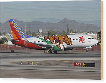 Southwest Boeing 737 California At Phoenix Sky Harbor November 10 2010 Wood Print by Brian Lockett