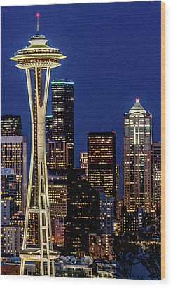 Space Needle And Skyline At Dusk Wood Print