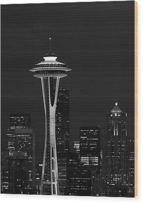 Space Needle At Night In Black And White Wood Print