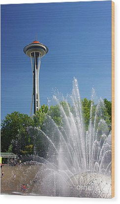 Space Needle In Seattle Wood Print