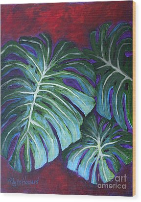 Split Leaf Philodendron Wood Print by Phyllis Howard