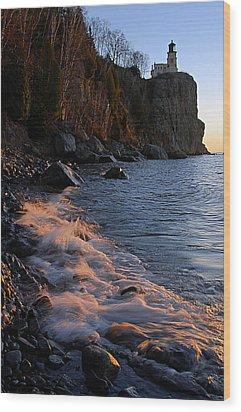Split Rock Lighthouse At Dawn Wood Print