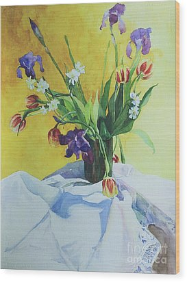 Spring Bouquet Wood Print by Elizabeth Carr