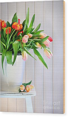 Spring Tulips On An Old Bench Wood Print by Sandra Cunningham