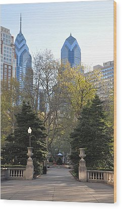 Sprintime At Rittenhouse Square Wood Print by Bill Cannon
