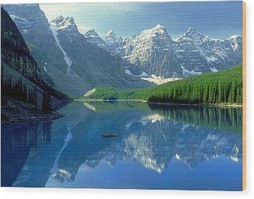 S.short Canoeist, Moraine Lake, Ab, Fl Wood Print by Steve Short