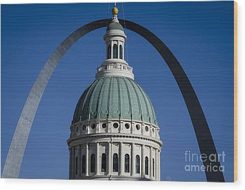 St. Louis Arch Wood Print by Andrea Silies