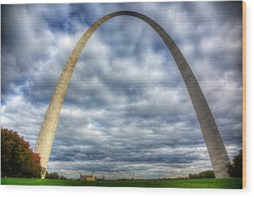 St. Louis Arch Wood Print by Shawn Everhart