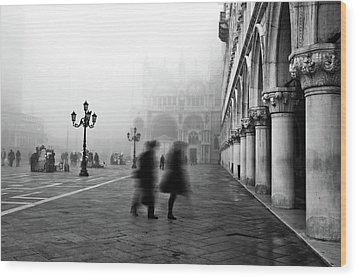St Mark's Square Wood Print by Marion Galt