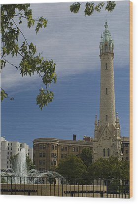 St Mary's Water Tower Wood Print by Peter Skiba