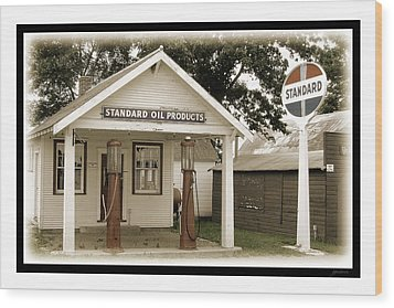Standard Station - Jackson Co. Fair Grounds Minnesota Wood Print by Gary Gunderson