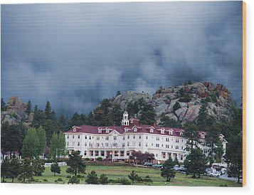 Stanley Hotel At Estes Park Wood Print by Gregory Scott