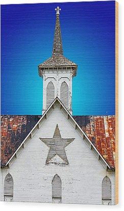 Star Barn 2 Wood Print by Brian Stevens