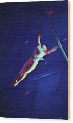 Star Swinger Wood Print