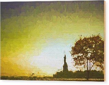 Statue Of Liberty - Nyc Wood Print by Matthew Ashton