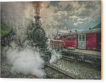 Wood Print featuring the photograph Steam Engine by Hanny Heim