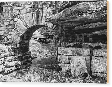 Stone Arch Wood Print by Wade Courtney