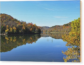 Stonecoal Lake In Autumn Color Wood Print by Thomas R Fletcher