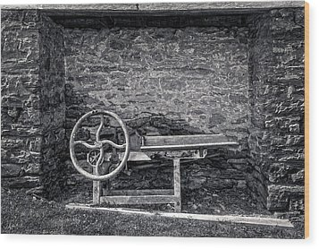 Wood Print featuring the photograph Storage Cove On An 1803 Amish Corn Barn  -  1800cornshellerblkwhi172835 by Frank J Benz