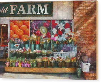 Store - Westfield Nj - The Flower Stand Wood Print by Mike Savad