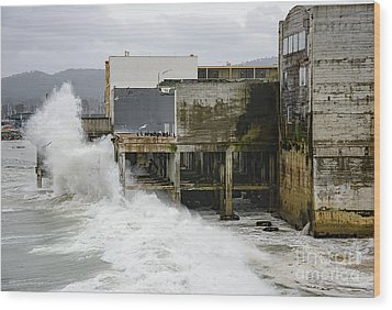Storm Waves Hit Aeneas Ruins At Cannery Row Wood Print
