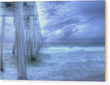 Stormy Pier Wood Print by Larry Underwood