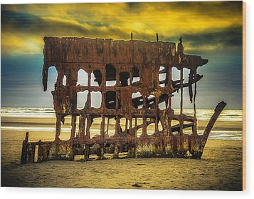 Stormy Shipwreck Wood Print by Garry Gay