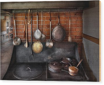 Stove - The Gourmet Chef  Wood Print by Mike Savad