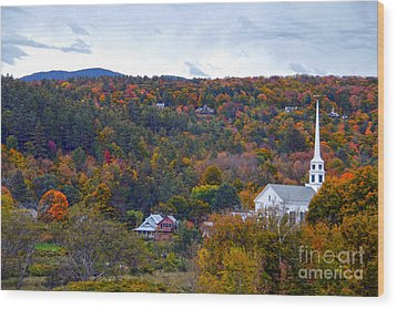 Stowe Vermont In Autumn Wood Print by Catherine Sherman