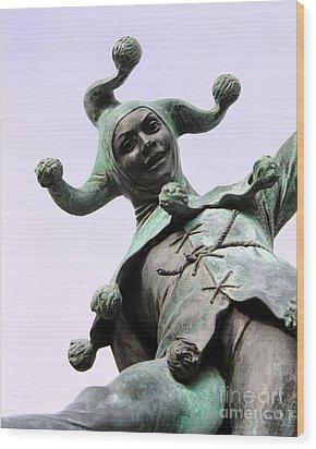 Stratford's Jester Statue Wood Print by Terri Waters