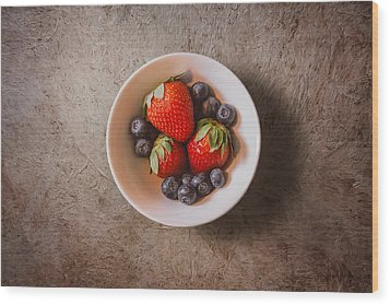 Strawberries And Blueberries Wood Print by Scott Norris