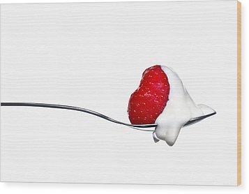 Strawberry And Cream Wood Print by Gert Lavsen