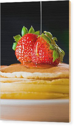Strawberry Butter Pancake With Honey Maple Sirup Flowing Down Wood Print by Ulrich Schade