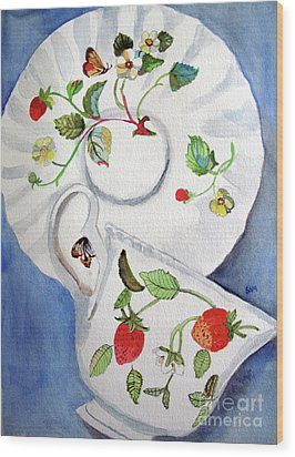 Strawberry Cup And Saucer Wood Print by Sandy McIntire