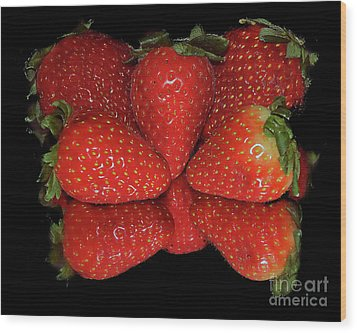 Wood Print featuring the photograph Strawberry by Elvira Ladocki