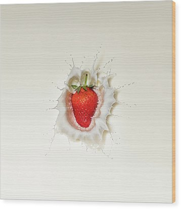 Strawberry Splash In Milk Wood Print