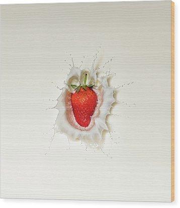 Strawberry Splash In Milk Wood Print