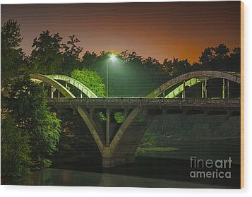 Street Light On Rogue River Bridge Wood Print