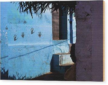 Streetcorner, Kanyakumari Wood Print by Marji Lang