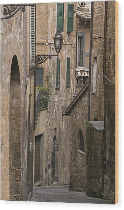 Streets Of Assisi Wood Print by Lynn Andrews