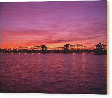 Sturgeon Bay Sunset Wood Print by Jeremy Evensen