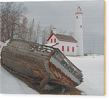 Sturgeon Point Lighthouse Wood Print by Michael Peychich