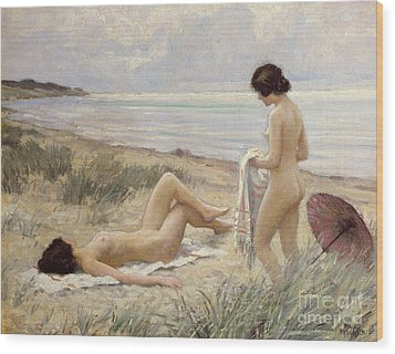 Summer On The Beach Wood Print by Paul Fischer