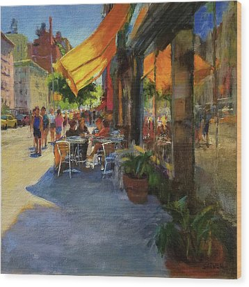 Sun And Shade On Amsterdam Avenue Wood Print by Peter Salwen