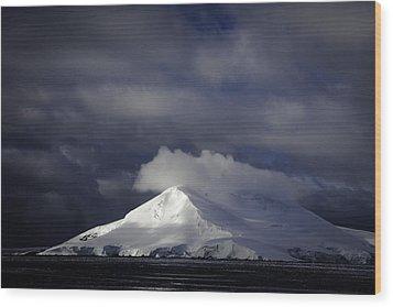 Sun Breakthru- Antarctica Wood Print