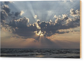Sun Rays Wood Print by Peter Chilelli