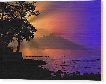 Wood Print featuring the photograph Sun Rays Sunset by Lori Seaman